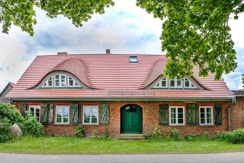 Sanierung und Umbau einer alten Dorfschule zum Wohnhaus nach historischem Vorbild in Kagenow bei Anklam