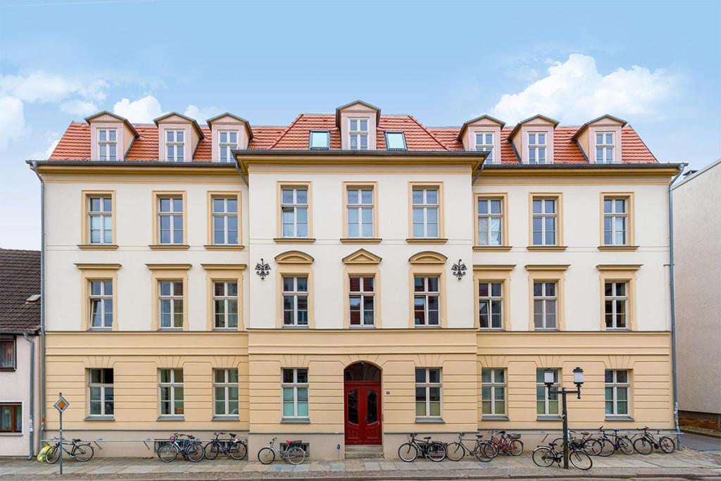 Sanierung und Umbau eines MFH zu Studentenwohnungen in Greifswald, Steinbecker Straße